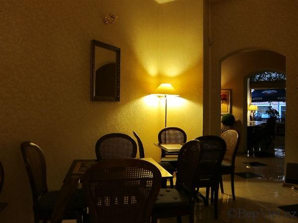 Interiér vietnamské restaurace Madame Lyn